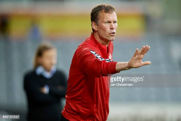 Morten Wieghorst head coach of AaB Aalborg in action during the Danish Alka Superliga match between AC Horsens and AaB Aalborg at Casa Arena Horsens...