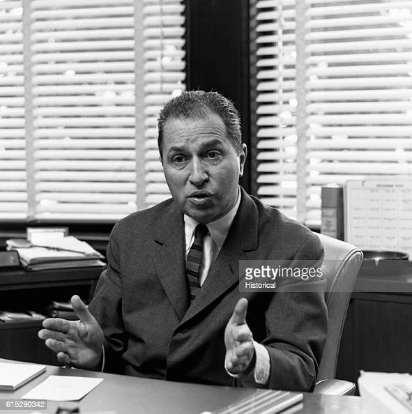 mortimer jerome adler Mortimer adler biography mortimer j (jerome) adler was born in new york city, the son of an immigrant jewelry salesman he dropped out of school at 14 years of age and went to work as a secretary and copy boy at the new york sun, hoping to become a journalist.