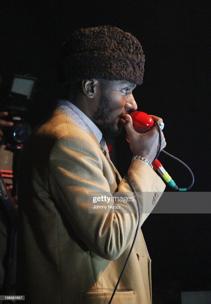<a gi-track='captionPersonalityLinkClicked' href=/galleries/search?phrase=Mos+Def&family=editorial&specificpeople=206384 ng-click='$event.stopPropagation()'>Mos Def</a> performs at the Roc-A-Fella Reunion at Gramercy Theatre on December 19, 2012 in New York City.