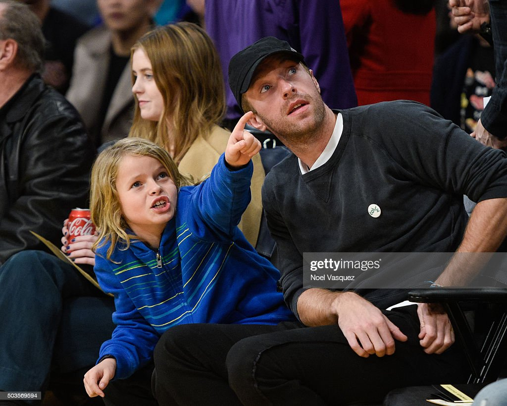 Celebrities travel just cute 2016 in focus boards sign in register - Moses Martin L And Chris Martin Attend A Basketball Game Between The Golden State