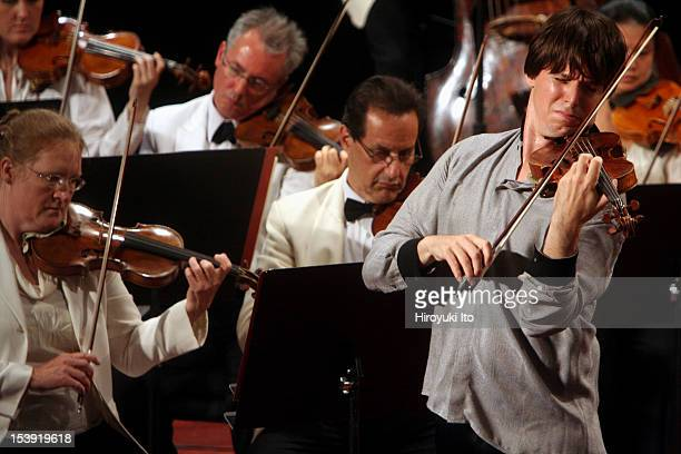 Mostly Mozart Orchestra at Avery Fisher Hall on Tuesday night August 11 2009This imageJoshua Bell performing Mendelssohn's 'Violin Concerto in E...