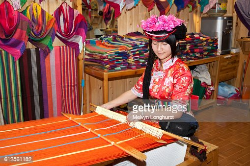 lijiang single women Answer 1 of 8: i am trying to organize a trip at easter around the nw of yunnan i would fly between kmg and shangri la, 2 days there bus to lijiang with stop over at the tiger leaping gorge then 2 days in lijiang before flying back to kunming what are.