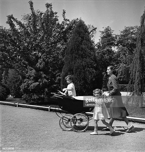 Mother and children for a walk France 1939