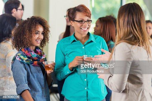 での母と娘カレッジ出迎えのパーティ
