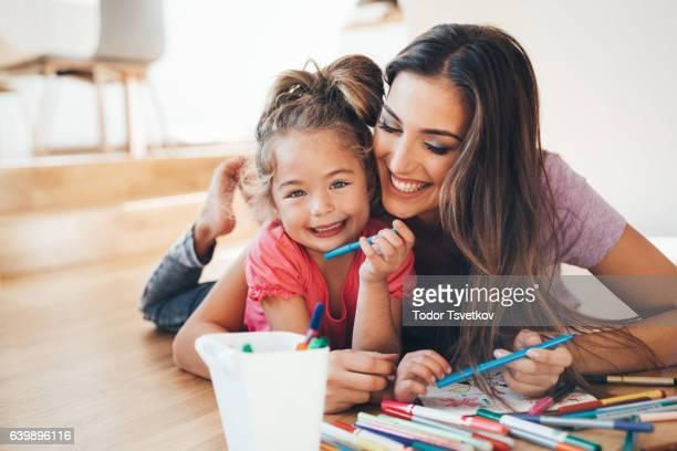 Madre e hija de dibujo