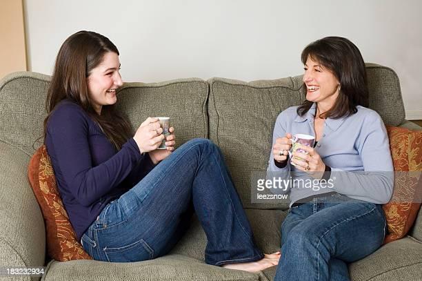 Mère et fille de café Chat