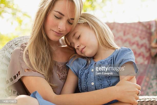 母と娘一緒にリラックスした