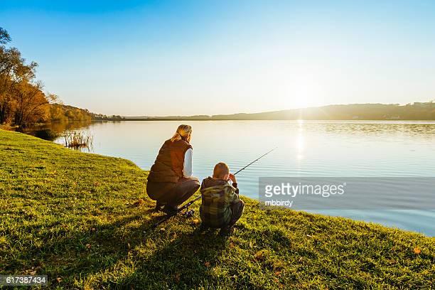 母と息子の釣り