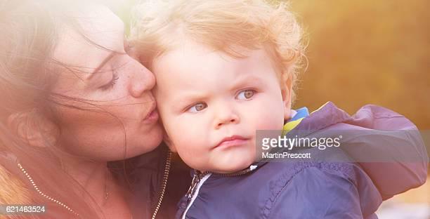 Madre e bambino piccolo amore