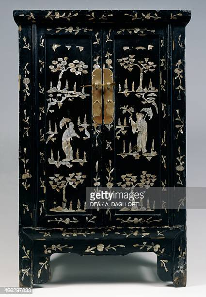 Mother of pearl inlaid cabinet with chinoiserie decoration 19th century