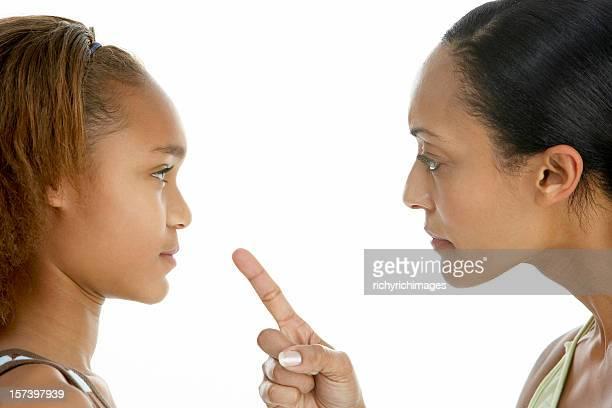 Madre hija adolescente hablar de