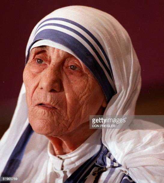 Mother Teresa the Roman Catholic nun who won the Nobel Peace Prize for her work with Calcutta's poor speaks at a press conference in Washington DC 13...