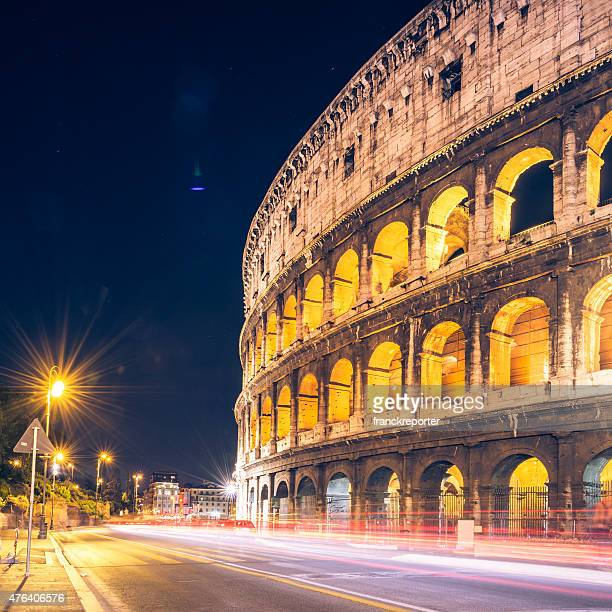 Motion blur traffico al Colosseo a Roma