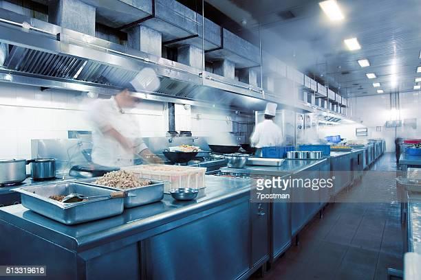 Movimento chef di cucina di un ristorante