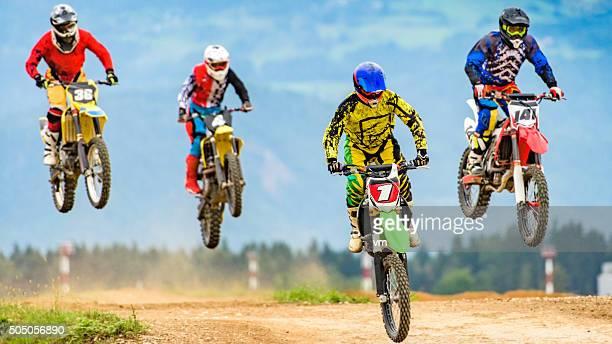 Motocross-Radfahrer in der Luft