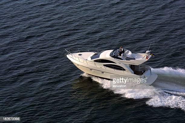 Motor Cruiser