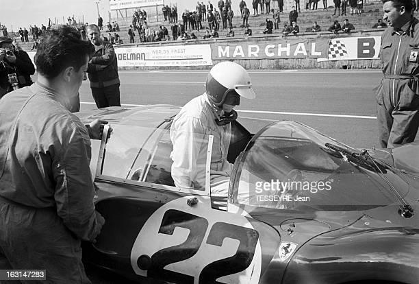 The Trial Sessions Of 24 Hours Of Le Mans 1967 En France au Mans en juin 1967 lors des essais qualificatifs des voitures de courses sur le circuit...