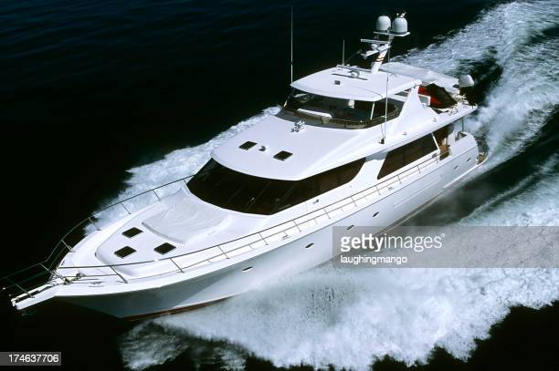 motor yacht personne