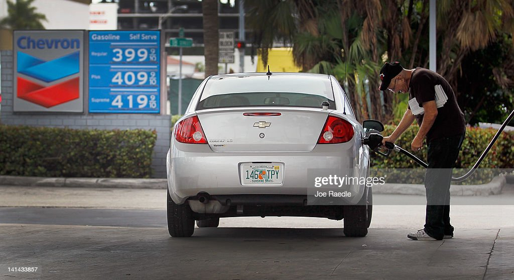 A motorist fuels up his car at a gas station on March 16, 2012 in Miami Beach, Florida. Reports indicate that the consumer price index rose 0.4 percent in February, the largest increase in 10 months. Gas prices rose 6 percent to account for most of the gain.