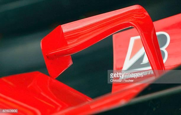 Motorsport / Formel 1 GP von Frankreich 2004 Magny Cours SPEZIAL Zusatzspoiler auf der Motorabdeckung des Ferrari 010704