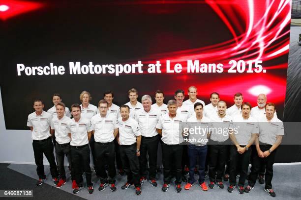 FIA WEC 2015 24 Heures du Mans PorschePressekonferenz 24StundenRennen von Le Mans Gruppenfoto PorscheTeam