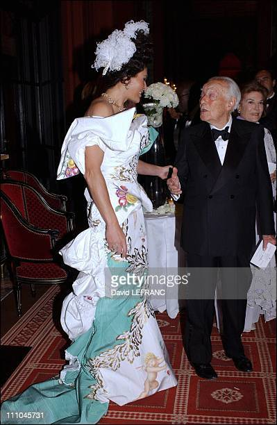 Mouna Ayoub and Baron Guy de Rothschild in the salon for ambassadors of casino of Deauville grand ball to benefit Care France presided by Marina de...