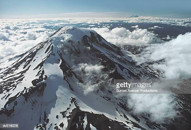 Mount Adams Volcano, Cascade Mountain Range, Washington, USA