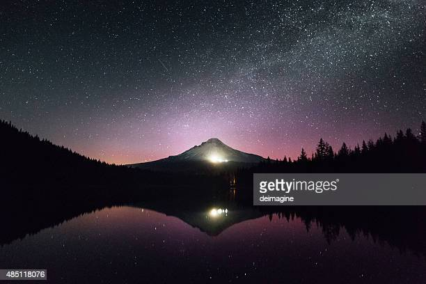 Mount Hood in Oregon, in den See