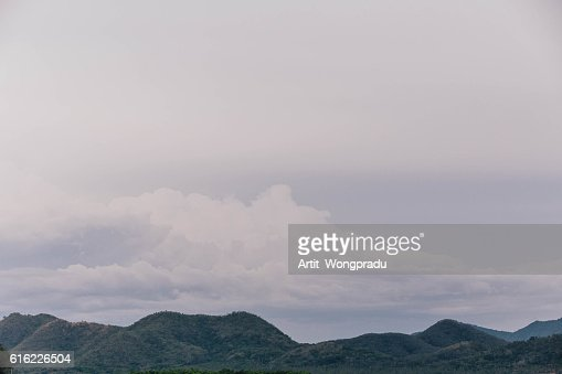 Mountain and Cloud Landscape : Bildbanksbilder
