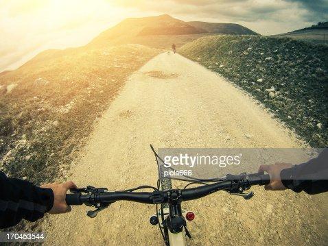 Mountain Bike: White Road Outdoor