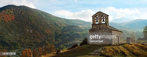 Chiesa di montagna nei Pirenei