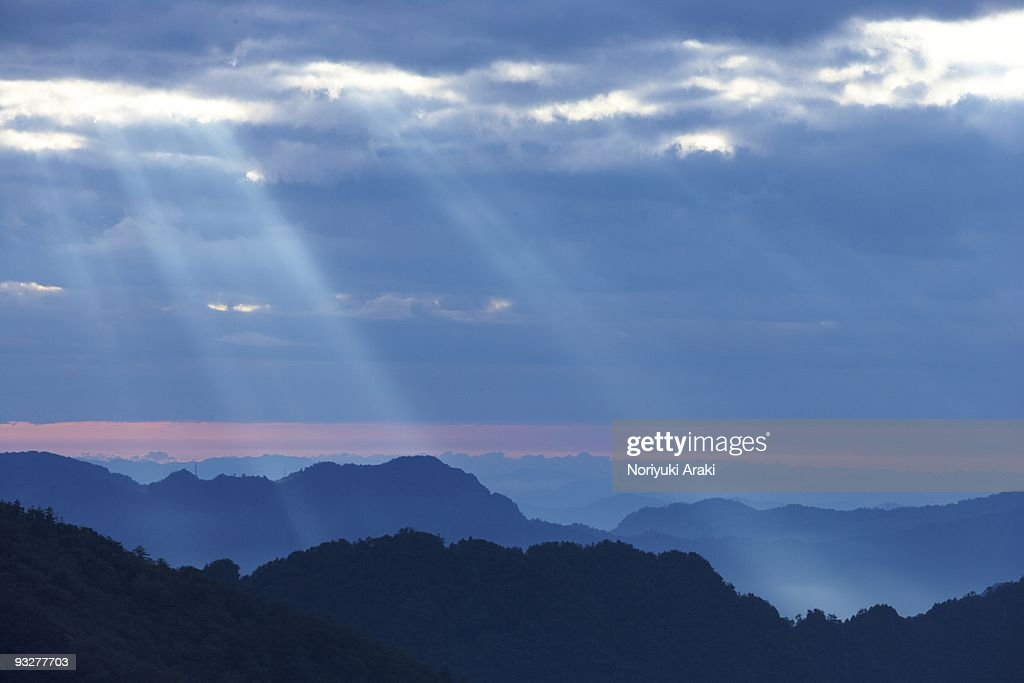 Mountain level and light