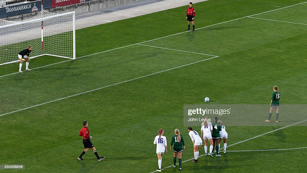 Mountain Vista Golden Eagles mf Haley Schueppert (C) (15) prepares for a penalty kick as Grandview Wolves gk Jennica Johnson (1) looks on int he first half during the 5A state soccer championship May 25, 2016 at Dicks Sporting Goods Park.