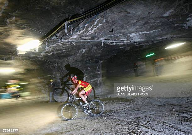 A mountainbiker competes in the 21st 'Extrem Mountainbike Race' 17 November 2007 at the 'Glueck Auf' pit of a former salt mine in Sondershausen...