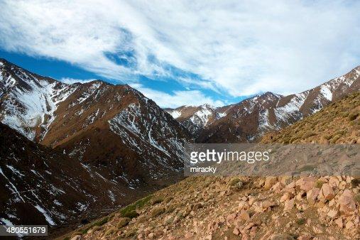 Montañas del Atlas con nieve de : Foto de stock
