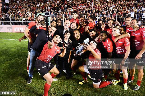 Mourad Boudjellal President of Toulon and Bernard Laporte Coach of Toulon and Team of Toulon during the rugby Top 14 match between Toulon and Union...