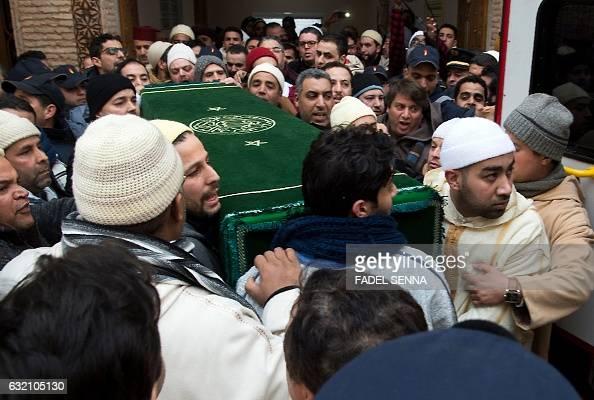 Mourners and followers of the Qadiriya Boutchichiya order ...