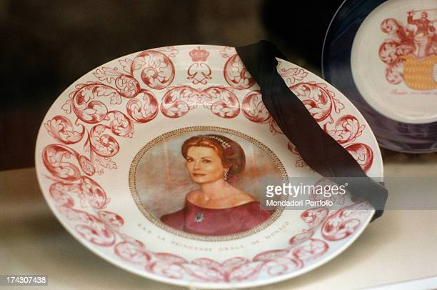 Mourning plate decorated with the image of Grace of Monaco exposed in the occasion of the funeral of the Princess Montecarlo September 18th 1972