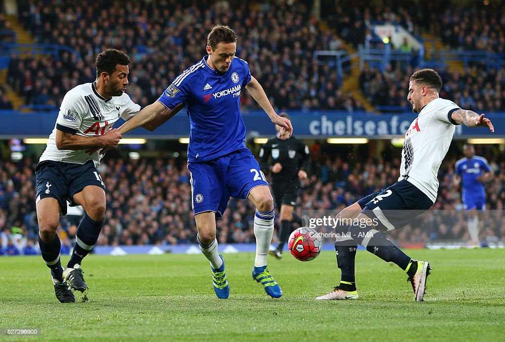 Mousa Dembele and <a gi-track='captionPersonalityLinkClicked' href=/galleries/search?phrase=Kyle+Walker&family=editorial&specificpeople=5609702 ng-click='$event.stopPropagation()'>Kyle Walker</a> of Tottenham Hotspur tackle Nemanja Matic of Chelsea during the Barclays Premier League match between Chelsea and Tottenham Hotspur at Stamford Bridge on May 2, 2016 in London, England.