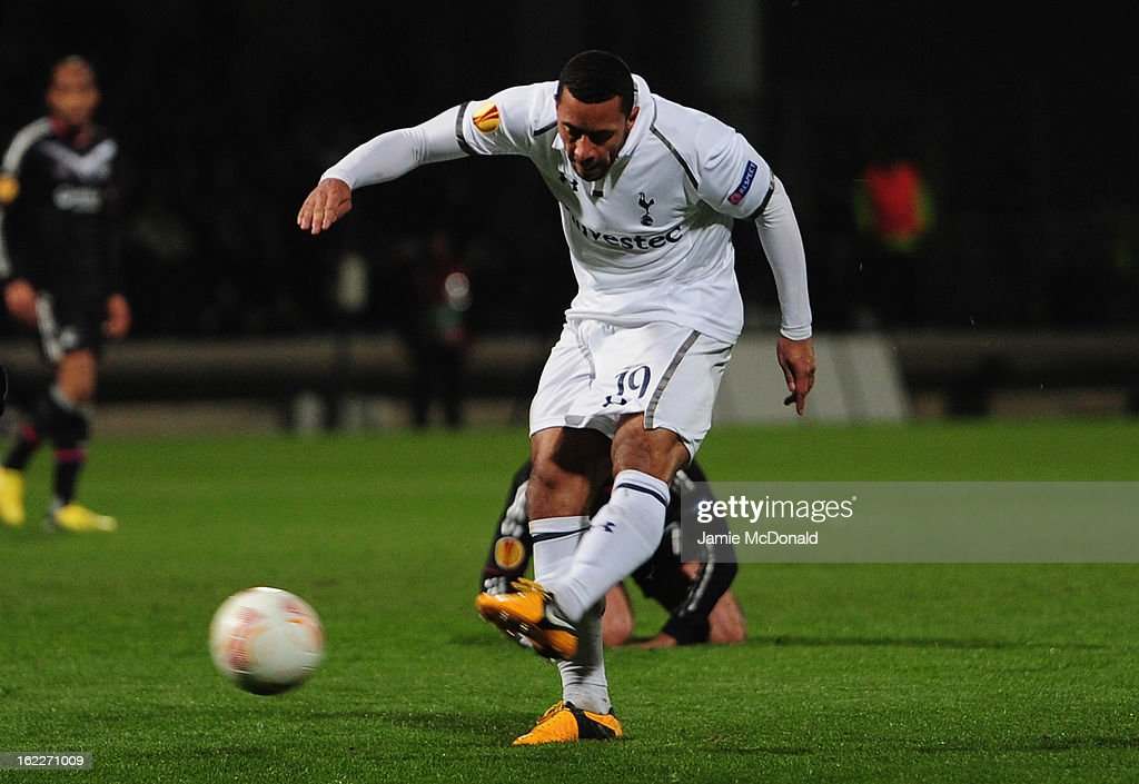Mousa Dembele of Spurs scores his goal during the UEFA Europa League Round of 32, second leg match between Olympique Lyonnais and Tottenham Hotspur FC at Stade de Gerland on February 21, 2013 in Lyon, France.