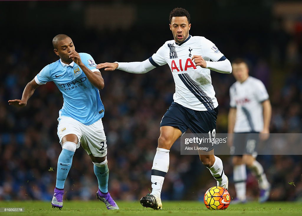 Mousa Dembele of Tottenham Hotspur is closed down by <a gi-track='captionPersonalityLinkClicked' href=/galleries/search?phrase=Fernandinho+-+Soccer+Player+-+Manchester+City&family=editorial&specificpeople=10093285 ng-click='$event.stopPropagation()'>Fernandinho</a> of Manchester City during the Barclays Premier League match between Manchester City and Tottenham Hotspur at Etihad Stadium on February 14, 2016 in Manchester, England.