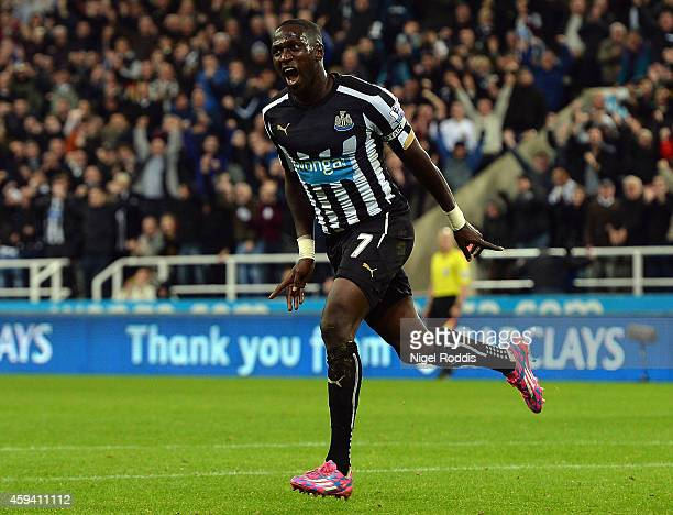Moussa Sissoko of Newcastle United celebrates scoring the opening goal during the Barclays Premier League match between Newcastle United and Queens...