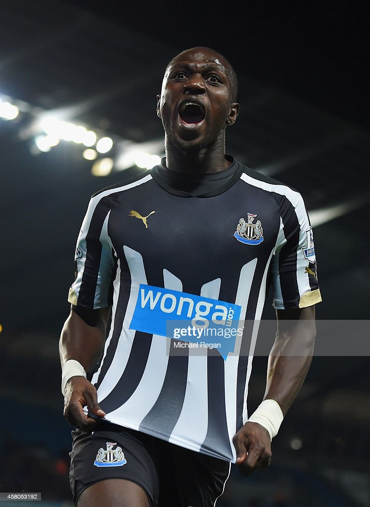 <a gi-track='captionPersonalityLinkClicked' href=/galleries/search?phrase=Moussa+Sissoko&family=editorial&specificpeople=4191251 ng-click='$event.stopPropagation()'>Moussa Sissoko</a> of Newcastle United celebrates scoring their second goal during the Capital One Cup Fourth Round match between Manchester City and Newcastle United at Etihad Stadium on October 29, 2014 in Manchester, England.