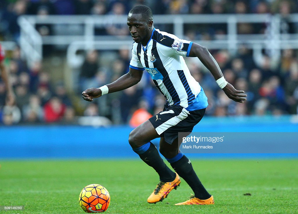 <a gi-track='captionPersonalityLinkClicked' href=/galleries/search?phrase=Moussa+Sissoko&family=editorial&specificpeople=4191251 ng-click='$event.stopPropagation()'>Moussa Sissoko</a> of Newcastle United in action during the Barclays Premier League match between Newcastle United FC and West Bromwich Albion FC at St James' Park on February 6, 2016 in Newcastle Upon Tyne, England.