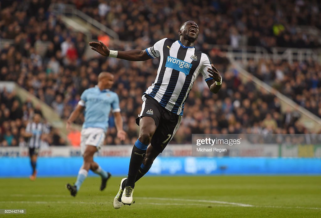 <a gi-track='captionPersonalityLinkClicked' href=/galleries/search?phrase=Moussa+Sissoko&family=editorial&specificpeople=4191251 ng-click='$event.stopPropagation()'>Moussa Sissoko</a> of Newcastle United reacts after a missed chance on goal during the Barclays Premier League match between Newcastle United and Manchester City at St James' Park on April 19, 2016 in Newcastle, England.