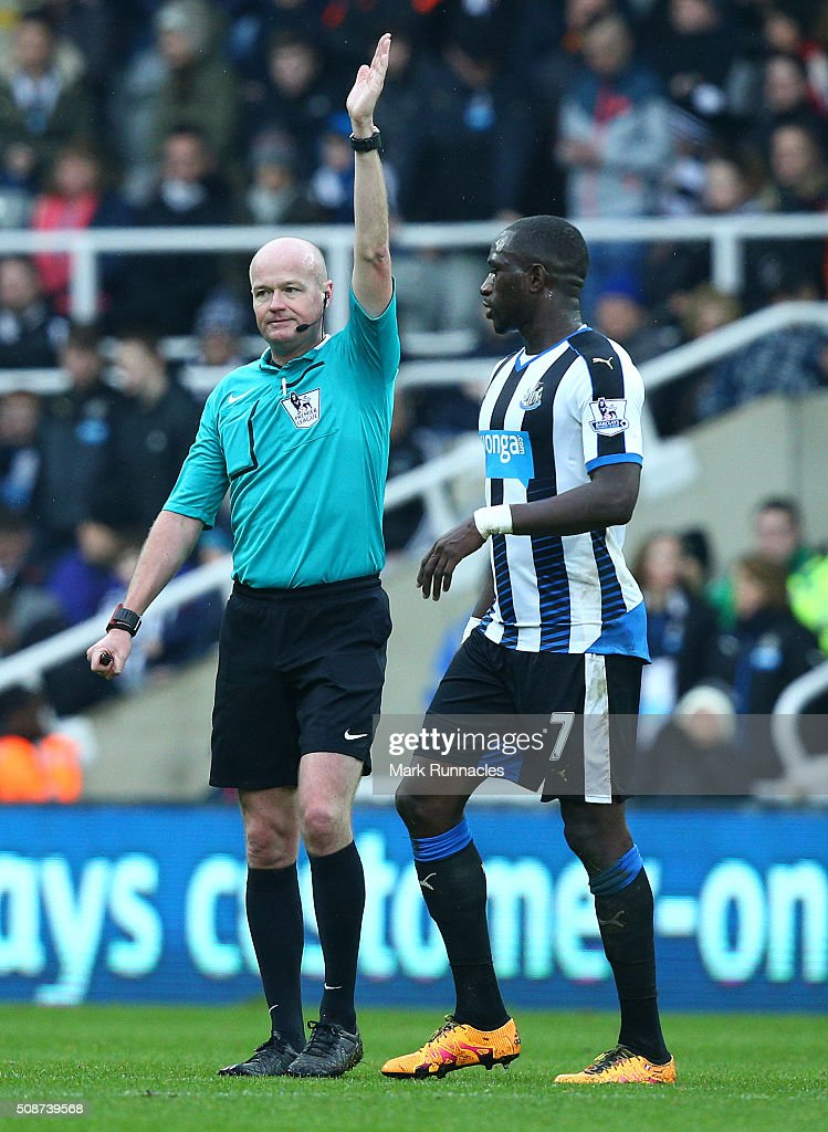 <a gi-track='captionPersonalityLinkClicked' href=/galleries/search?phrase=Moussa+Sissoko&family=editorial&specificpeople=4191251 ng-click='$event.stopPropagation()'>Moussa Sissoko</a> of Newcastle United talks to referee <a gi-track='captionPersonalityLinkClicked' href=/galleries/search?phrase=Lee+Mason&family=editorial&specificpeople=221143 ng-click='$event.stopPropagation()'>Lee Mason</a> about Cheick Tiote's disallowed goal in the first half, during the Barclays Premier League match between Newcastle United FC and West Bromwich Albion FC at St James' Park on February 6, 2016 in Newcastle Upon Tyne, England.