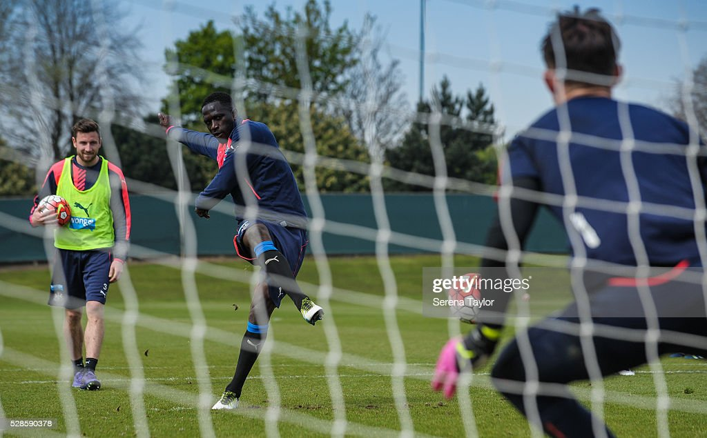 <a gi-track='captionPersonalityLinkClicked' href=/galleries/search?phrase=Moussa+Sissoko&family=editorial&specificpeople=4191251 ng-click='$event.stopPropagation()'>Moussa Sissoko</a> (C) takes a penalty kick during the Newcastle United Training session at The Newcastle United Training Centre on May 6, 2016, in Newcastle upon Tyne, England.