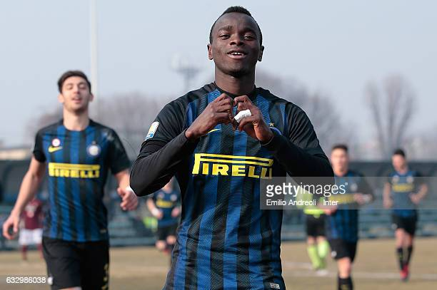 Moussa Souare of FC Internazionale Milano celebrates his goal during the Primavera Tim juvenile match between FC Internazionale and US Salernitana at...