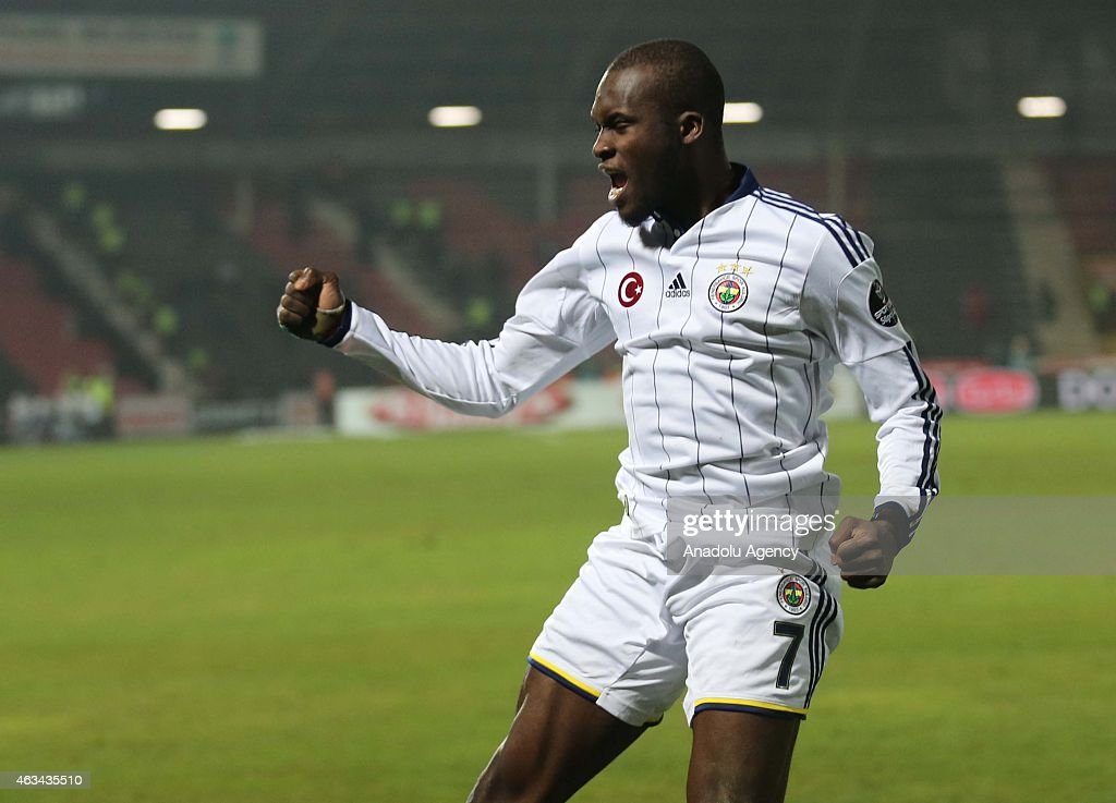 <a gi-track='captionPersonalityLinkClicked' href=/galleries/search?phrase=Moussa+Sow&family=editorial&specificpeople=2336264 ng-click='$event.stopPropagation()'>Moussa Sow</a> of Fenerbahce celebrates after scoring a goal during Turkish Spor Toto Super League football match between Gaziantepspor vs Fenerbahce in Gaziantep, Turkey on February 14, 2015.