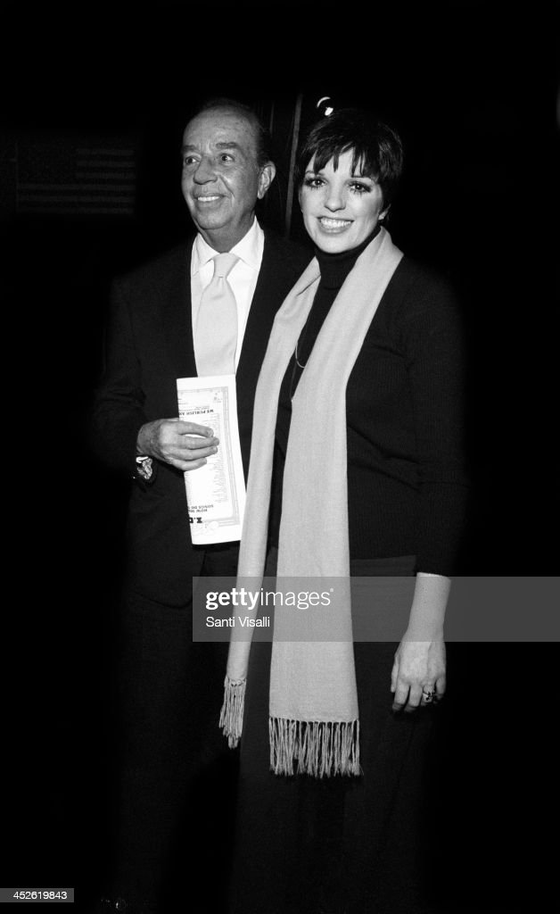 Movie Director <a gi-track='captionPersonalityLinkClicked' href=/galleries/search?phrase=Vincente+Minnelli&family=editorial&specificpeople=628172 ng-click='$event.stopPropagation()'>Vincente Minnelli</a> with daughter Liza on May 5, 1974 in New York, New York.